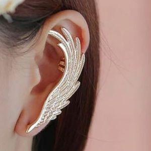 1 NEW Angel Wing Feather Golden Ear Clip Left Ear